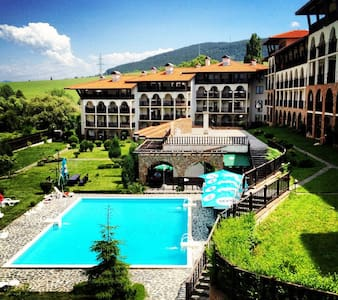 Luxury, pool, fireplace and panoramic views - Wohnung