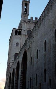 App. cuore centro storico Gubbio - Apartment