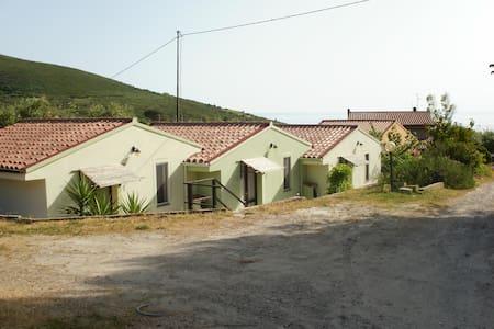Monolocale zona mare Pisturri - House