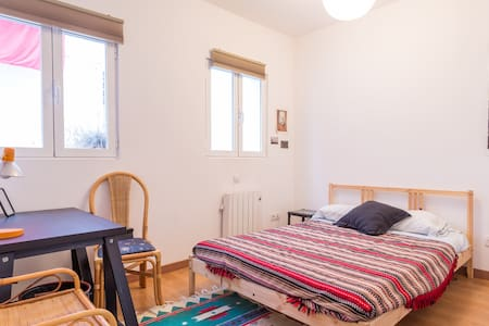 Lovely central Madrid room! - Apartment