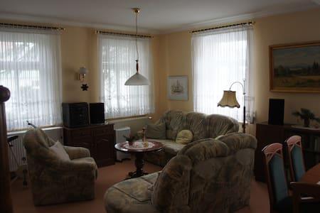 Ferienwohnung mit 71  qm in der Villa Anna - Apartemen