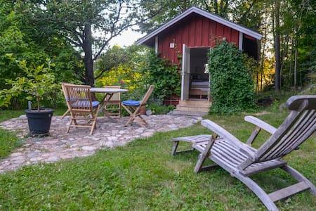 Grönskan Skarpö Guest House - Bed & Breakfast