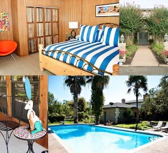 Poolside Cabana - Cabin