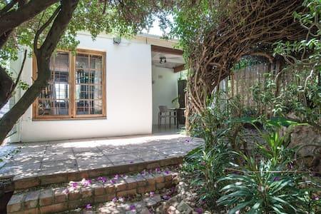 Boutique style cottage  - Johannesburg - Apartment