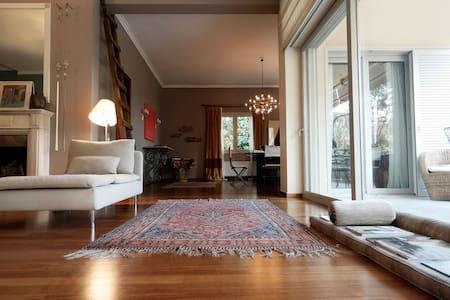 Elegant serviced Filothei  15' to center - Apartment
