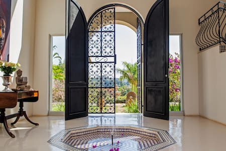 Fountain House - Villa