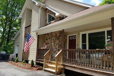 Exquisite, spacious Pocono getaway! - House