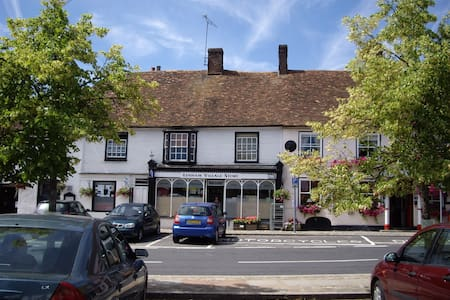 Period Cottage in Historic Square - Lenham - House