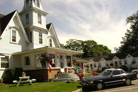 Bed and Breakfast Near ferry - Yarmouth