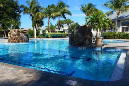 Lely Luxury Condo/Awesome Pool/Golf - Naples - Apartment