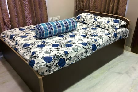 Homely, Neat, Clean & Modern Room in Southern Ave. - Kolkata - Apartment