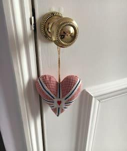 Fabulous Victorian townhouse - Wells - Bed & Breakfast