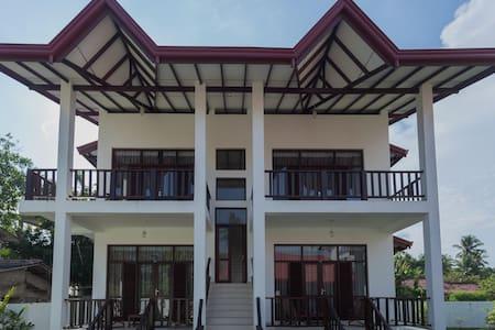 Chamin's Villa (2) - Huvila