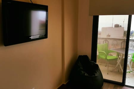 Studio with kitchenette and bathroom in Jbeil - Kollégium
