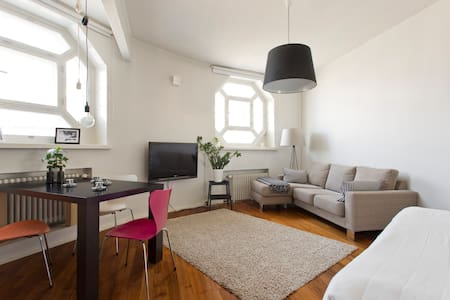 Unique tower Studio in city centre - Apartment