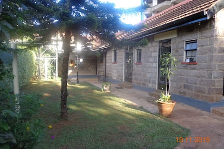 Bargain Bungalow, all yours - Nairobi - Bungalow