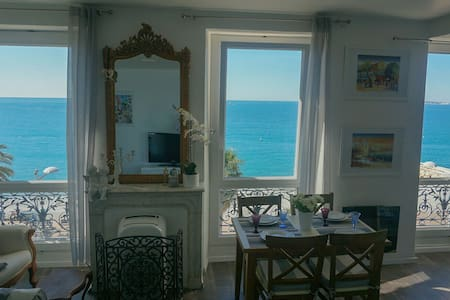 Charming studio 30 m2 on the beach - Cagnes-sur-Mer - Appartement