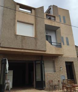 Appartement F3 au rez de chaussée - Appartement