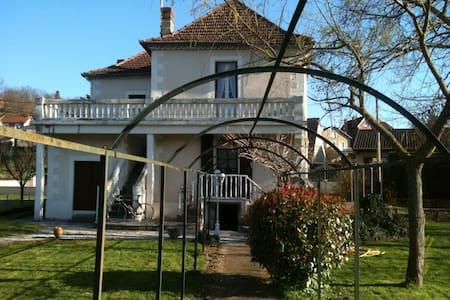 "Villa ""l'Oltoise"" - Haus"