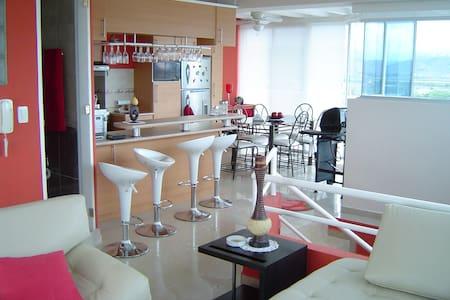 Hermoso Penthouse Duplex En sector Castelnuovo - Atacames Canton