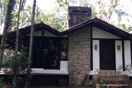Casa super confortável na beira do rio - Antonina