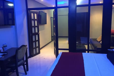 Angeles City Middle of Fields Ave - Angeles City - Bed & Breakfast