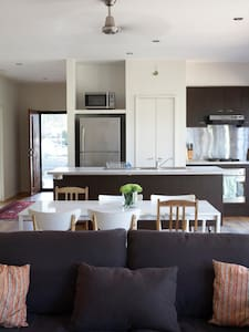 Jan Juc Beach House Pet & Kid Friendly - Jan Juc