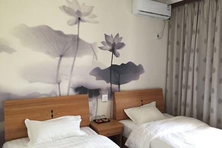 杭州尧叔宾馆 Yao-House B&B,宾至如归,感受不一样的慢生活 - House