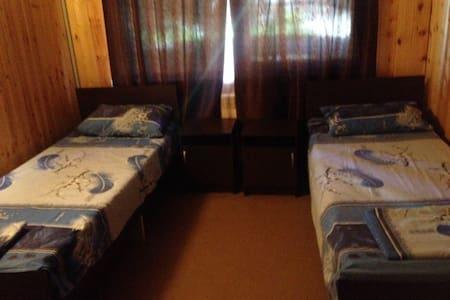 Комфортные комнаты  с удобствами рядом с морем - Casa de huéspedes