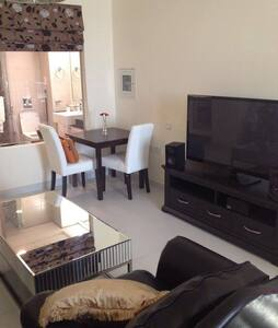 Fully Furnished Studio Apartment on Palm Jumeirah - Dubai