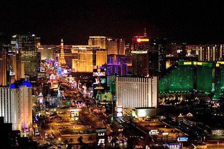 Vegas Vegas Vegas - Take Flamingo To The Strip - Las Vegas