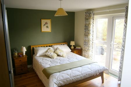 Double bedroom, Ensuite,  Sea View. - Galway - Zomerhuis/Cottage