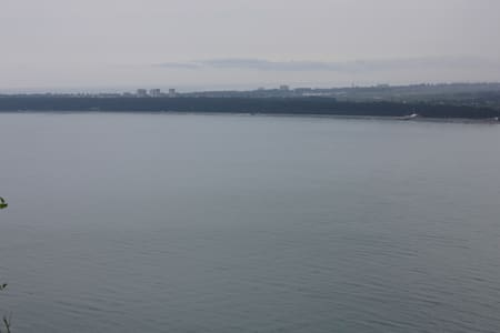 Домик на берегу моря в Абхазии (Пицунда-Агараки) - 단독주택
