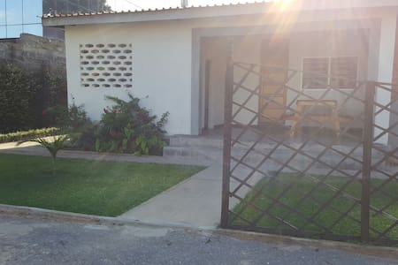 Central Townhouse! Ideal base for the Copperbelt. - Ndola - Serviced apartment