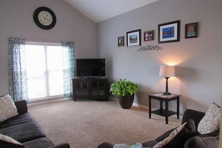 Beautiful Spacious Family Rental - Louisville - Maison