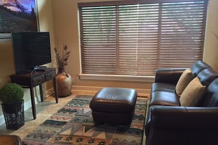 New Upscale Private..15 Minutes from Hayward Field - Casa