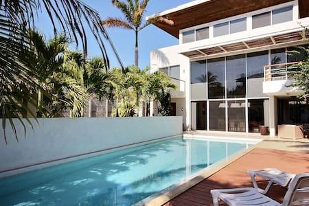 Villa73 - Tamarindo's Exclusive Contemporary Villa - Tamarindo