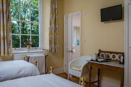 Old Vicarage B&B King or Twin Room - Exeter