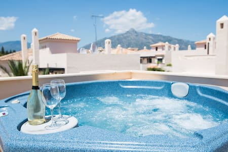 Spectacular panoramic views in private jacuzzi - Marbella - Apartment