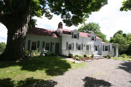 Family Farmhouse near Millbrook Village, NY - Ev