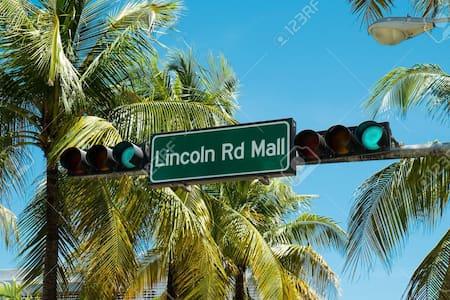 Amazing South Beach Location!! - Lakás