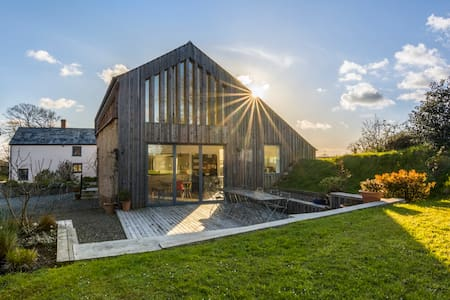 Stunning barn conversion near Bude - HOLSWORTHY - Casa