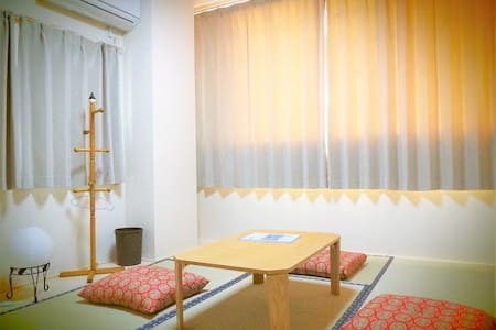 8 min to Asakusa,safe,quiet,good area for woman - Hus