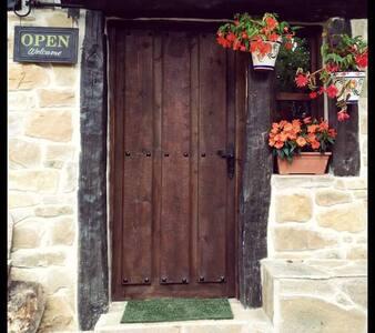 Habitacion de 12 personas - Cantabria