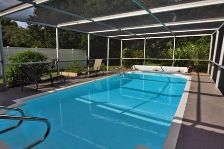 Newly remodeled pool home near Siesta Key - Sarasota