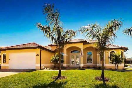 New Vacation Home in Cape Coral, FL - Villa