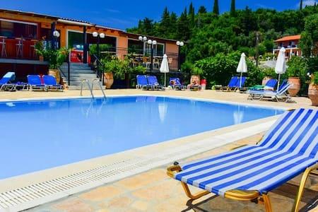 A lovely two bedroom apartment - Corfu - Condominium