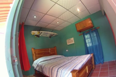 Panama Surfing Academy (PSA) RioMar - Bed & Breakfast