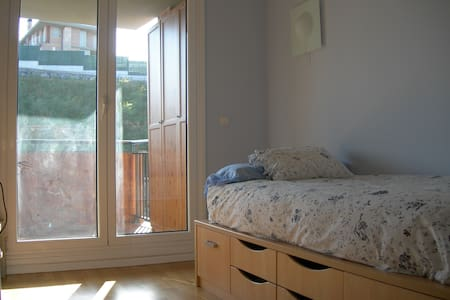 Hab. con terraza y baño. 1p. B&B. - Errenteria - Bed & Breakfast