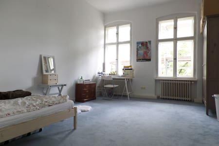 Schöner Altbau in Tempelhof - Berlin - Apartment
